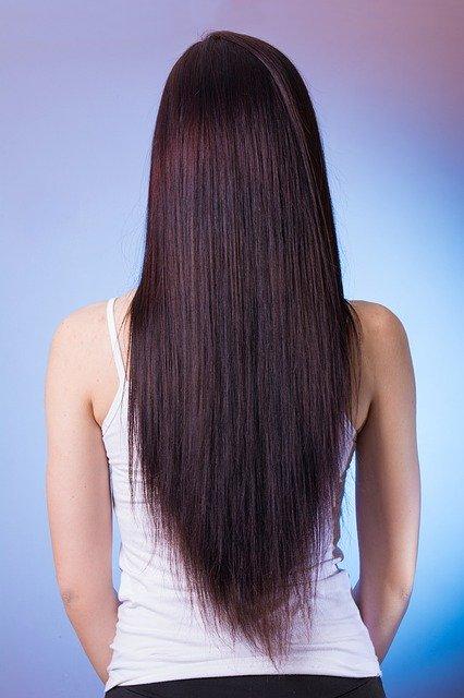 czy keratynowe prostowanie niszczy włosy